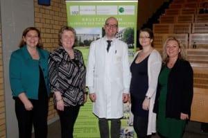 v.l.n.r.: Dr. Rachel Würstlein, Prof. Dr. Nadia Harbeck, Prof. Dr. Sven Mahner, Breast Care Nurses I. Dietz und B. Ehrl
