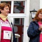(Vlnr.) Erste Bürgermeisterin Frau Meyerdierks; Renate Haidinger (1.Vorsitzende von Brustkrebs Deutschland e.V.)